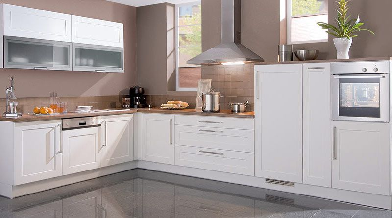 Klassisch-zeitlose Küche - Elektroinstallation, Elektrogeräte ...